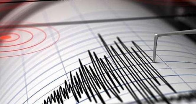 Endonezya'da 6.2 büyüklüğünde deprem!