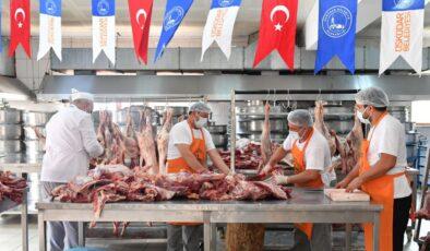 İstanbul Üsküdar'da 30 ton kurban eti dağıtıldı