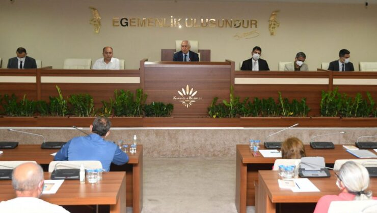 İzmir Karabağlar'da Başkan Selvitopu'dan talep toplantısı