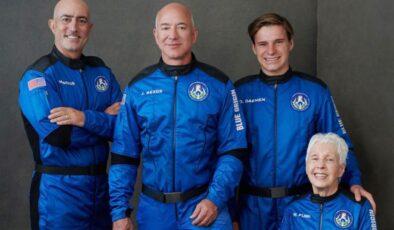 Milyarder işadamından uzaya tarihi yolculuk
