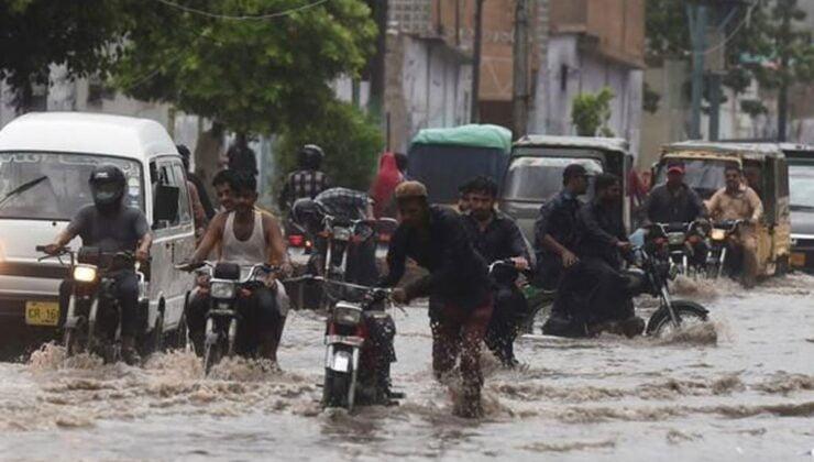 Pakistan'da şiddetli yağış: 4 ölü