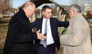 Gölbaşı Belediye Başkanı Ramazan Şimşek'ten hayvanları zarar gören köylülere destek