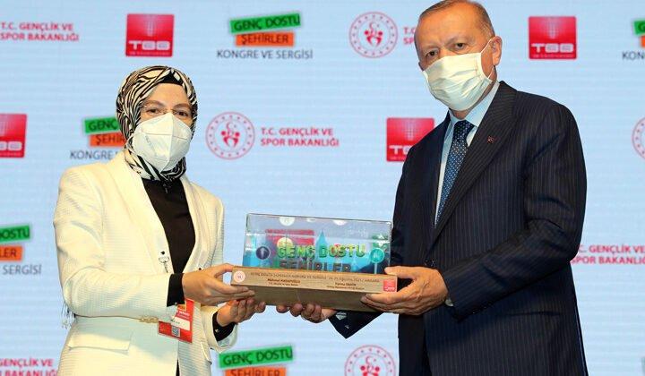 Ayık, ödülü Erdoğan'dan aldı… Alfa Genç projesi nedir?