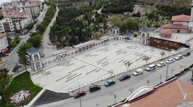 Pursaklar'ın Parlayan Yıldızı ''Şehitlik Meydanı''