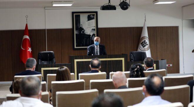 Başkan Yaşar, bürokratlarıyla bir araya geldi