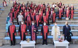 ERÜ Edebiyat Fakültesi'nde mezuniyet coşkusu