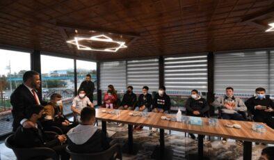 Başkan Ertuğrul Çetin Endemik Vadi'de Gençlerle Buluştu
