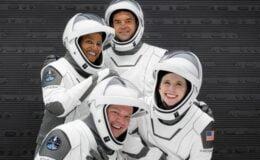 4 astronotun uzay yolculuğu başladı