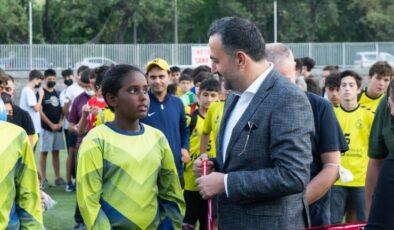 Sakarya Zaferi'nin 100. Yıl Anısına Düzenlenen Futbol Şöleni'nde Coşkulu Kapanış