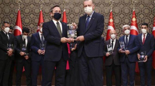 Fahrettin Altun'dan 'ödül' paylaşımı