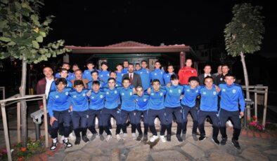 Başkan Ertuğrul Çetin, U18 Takımı İle Buluştu