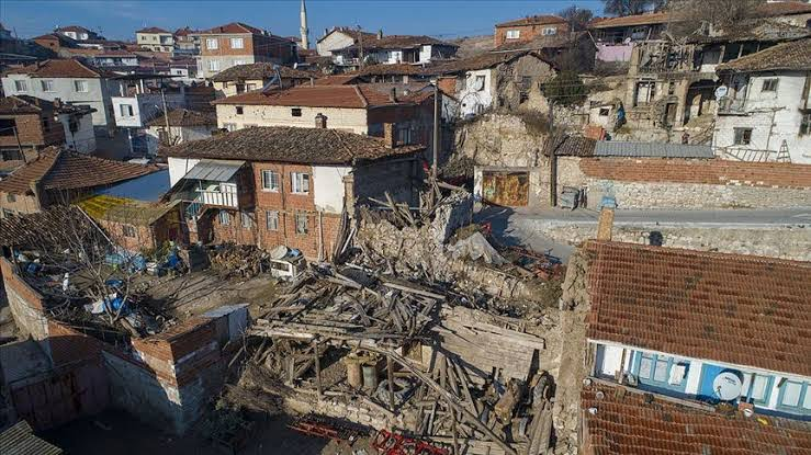 CHP'li Başevirgen'in deprem ile ilgili önergesine bakanlık cevap veremedi
