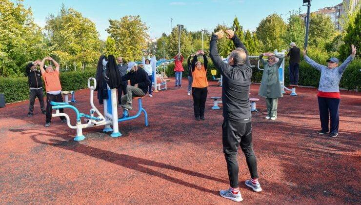 Parklarda spor yoğun ilgi görmeye devam ediyor