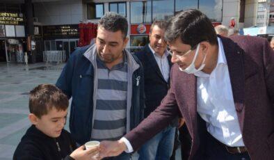 Aydın Nazilli'de Osmanlı çeşmesinden şerbet aktı.