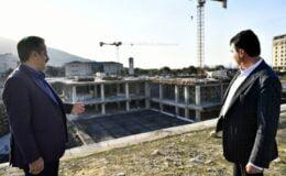 Bursa'da AK Parti'nin kurucularından 'Osmangazi Meydanı'na yakın mercek