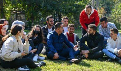 Bursa Mustafakemalpaşa'da Başkan Kanar, üniversitelilerle buluştu