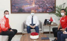Mardinli şampiyon maratonculardan Vali Demirtaş'a ziyaret